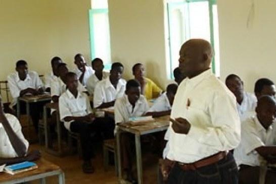 بعد (15) عاما .. طلاب امبرو  يجلسون لامتحانات الشهاده الثانوية بشمال دارفور