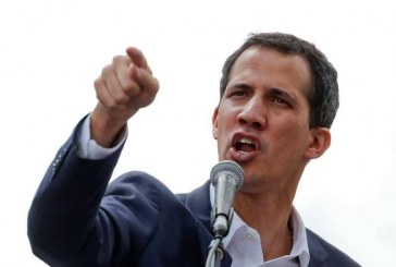 """البرلمان الأوروبي يعترف بغوايدو رئيسا """"شرعيا"""" لفنزويلا"""