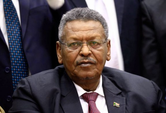 الفريق بكري.. آخر عسكريي الانقاذ المغادرين