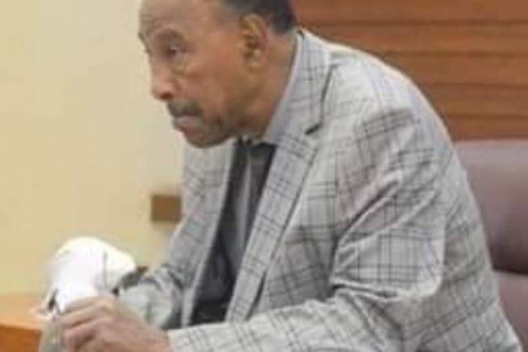 في محكمة البشير .. الإتهام يطالب بإستبعاد شهادة عبدالرحيم محمد حسين